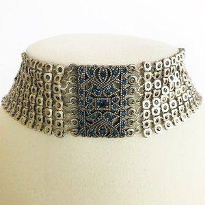 Jewelry - 90's Blue & Silver Chain Mail Choker